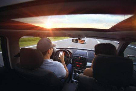 smartphone-people-road-street-car-highway-917003-pxhere.com
